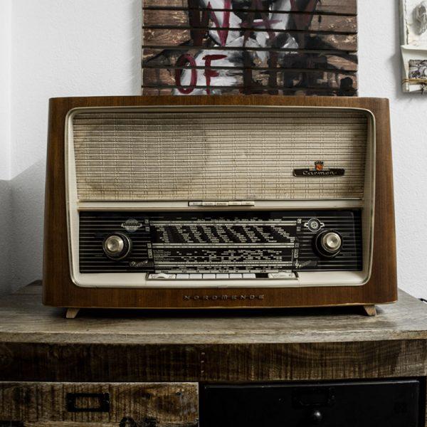 Radio Dash Studio Deko Ausstattung Gallerie Kunst